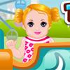Bambino nel parco a tema gioco
